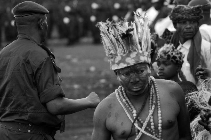 An entertainer reacts to Congolese army orders.