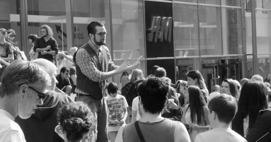 A 'no' campaigner makes his case on Buchanan Street in downtown Glasgow the day before the Scottish referendum.